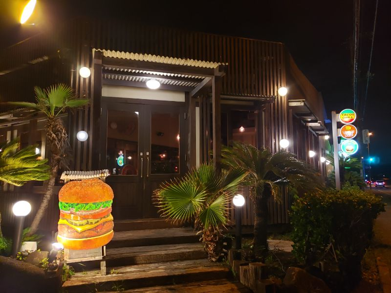 Venus Cafe。店内入り口